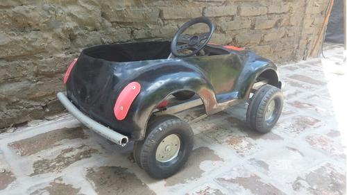 auto escarabajo vw a pedal antiguo