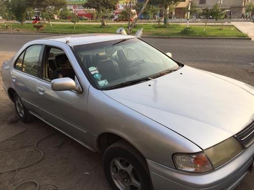 auto nissan sunny japones del año 99 a gas y gasolina