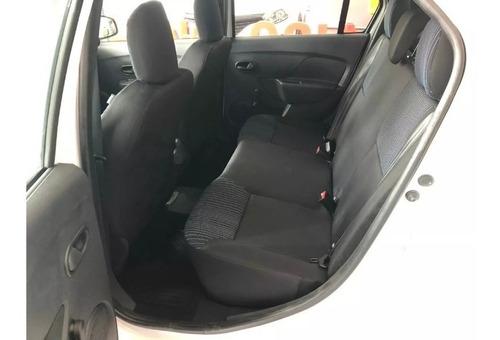 auto sedan renault logan life oferta mes de julio tasa 0% f