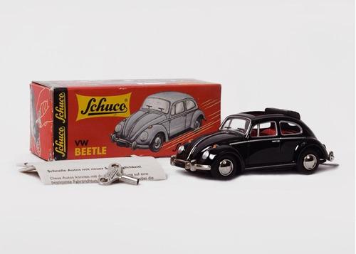 auto volkswagen beetle 1960 con rag top de cuerda de schuco