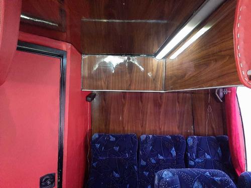 autobus de turismo marca volvo 9700 año 2004