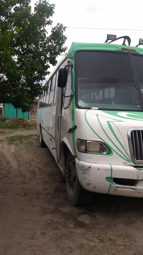 autobus international largo 2005