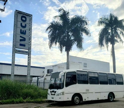 autobus iveco 32 puestos