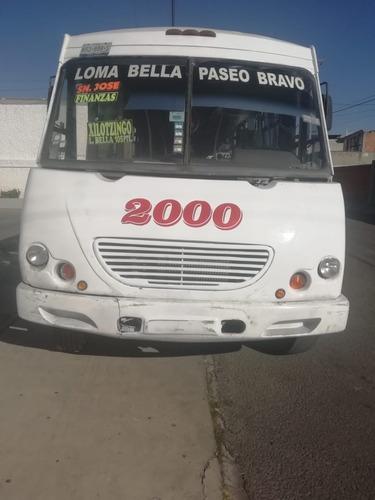 autobús mercedes benz 2004