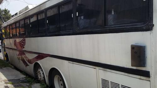 autobus mercedes benz