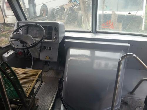 autobus mercedes benz freigtliner 20007 largo