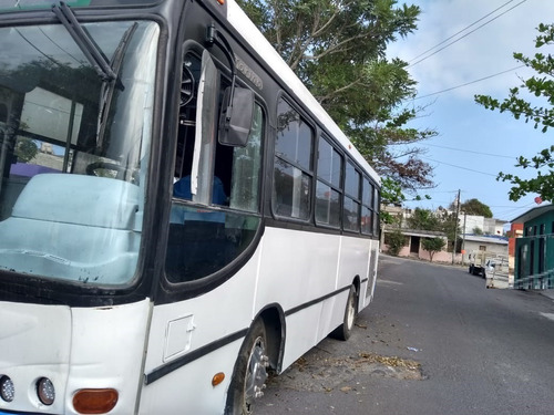 autobus mercedes torino baby 2007