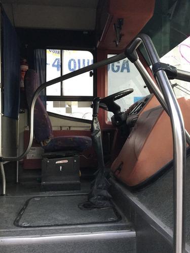 autobus mercedez benz