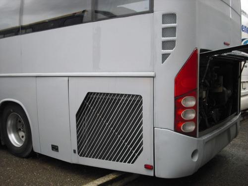 autobus volvo 9700 año 2005 4x2 dos tipos de tapiceria