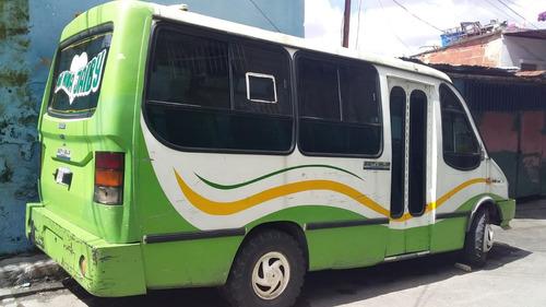 autobusette de pasajero  iveco operativo
