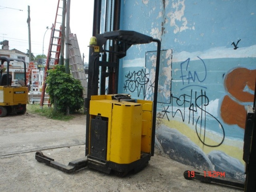 autoelevador apilador electrico raymond 2000kg m/buen estado