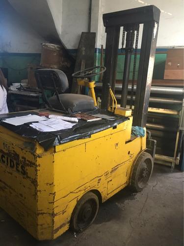 autoelevador baker toyota 2000kg c/bateria regalo x desalojo