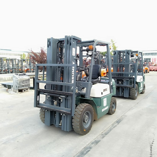 autoelevador brumby 2,5 tn torre 4,5m - nafta gas nissan