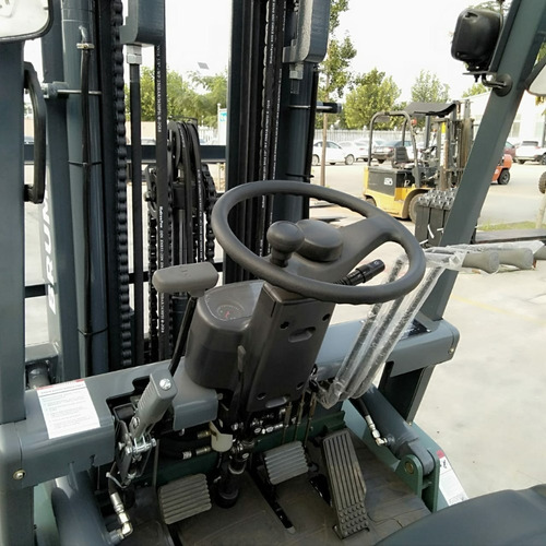 autoelevador brumby 3,5 tn torre 4,5m - diesel isuzu