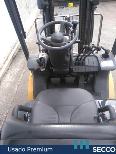 autoelevador cat usado 2.5 tn diesel, premium