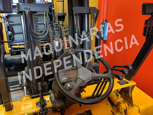 autoelevador caterpillar 7000 kg triple 6 mts desplazador