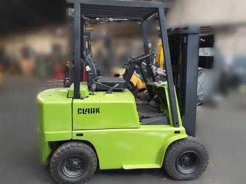 autoelevador clark cap 2.5 ton