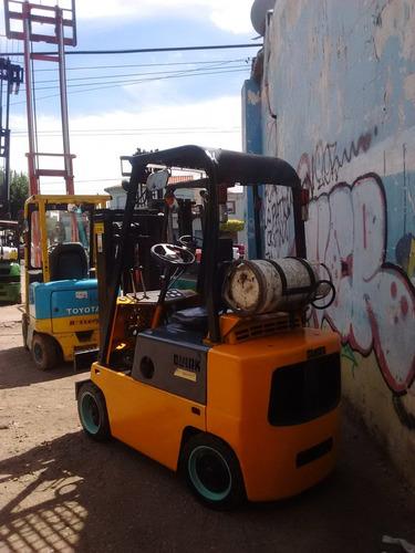 autoelevador clark vendo permuto p/auto camioneta urgente