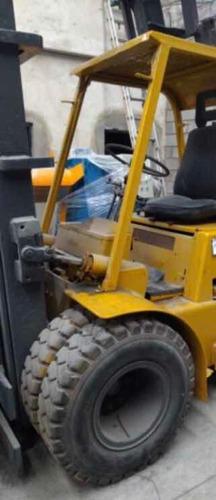 autoelevador diesel clark 5tn torre triple envios al pais