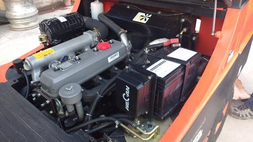 autoelevador  dual tripl desplazador 2.5 tn (serie g taurus)