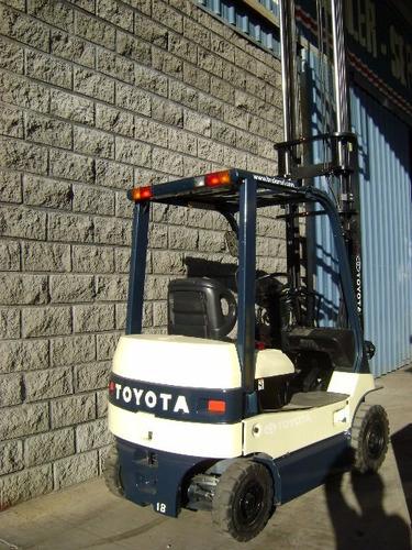autoelevador electrico toyota 1800 kilos