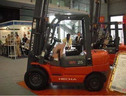 autoelevador hecha 3 ton diesel con torre doble desplazador