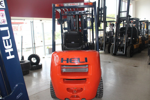 autoelevador heli 2.5t okm motor isuzu diesel modelo gleen
