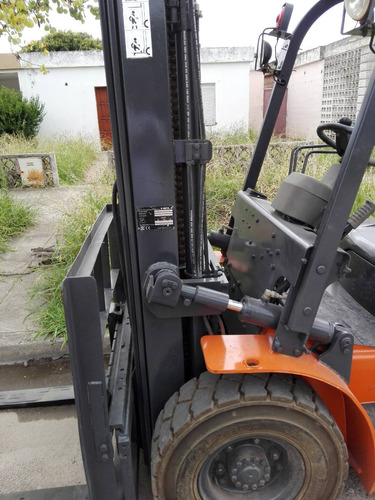 autoelevador heli , motor diesel isuzu japones  c/desplaz