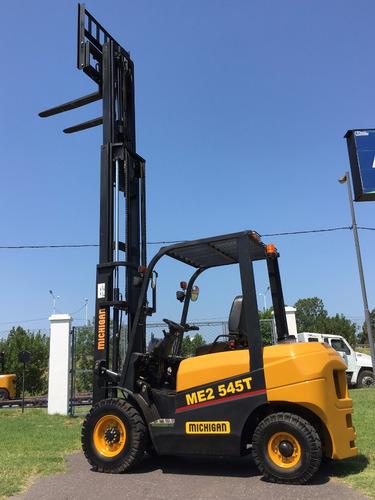 autoelevador michigan 2.5 toneladas torre triple