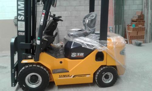 autoelevador samuk-mitsubishi diesel  2.5 toneladas