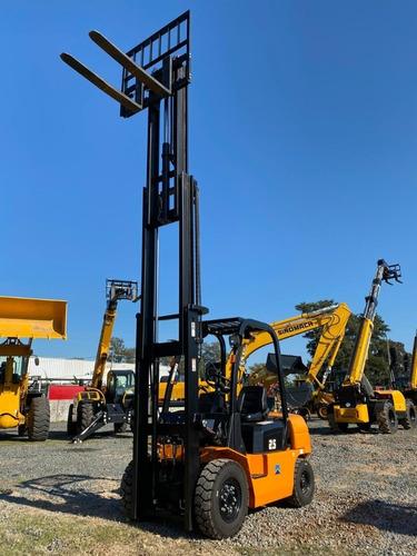 autoelevador sinomach 2500kg -triple torre -desplazador late