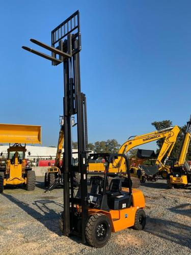autoelevador sinomach 3000kg -triple torre -desplazador late