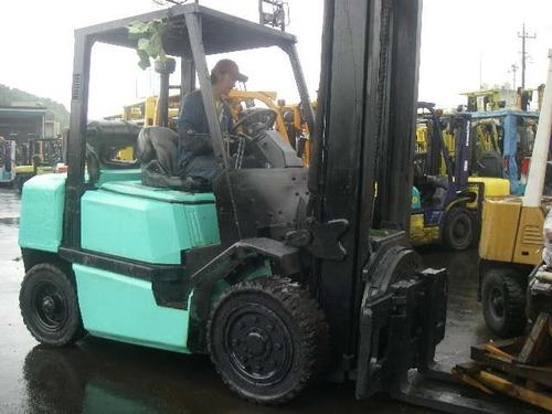 autoelevador sumitomo yale 3500 kg / elevación 4 mts rotador