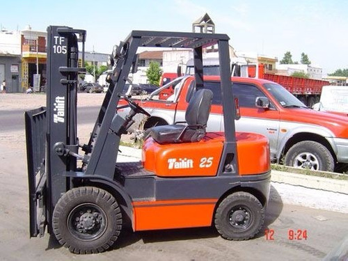 autoelevador tailif 2.5tn - isuzuc240 - doble 4.50 mtrs