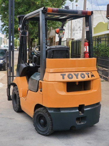 autoelevador toyota 1.8 tn diesel