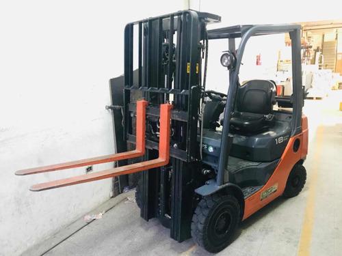 autoelevador  toyota 8fg18 triple/despl garantia japon