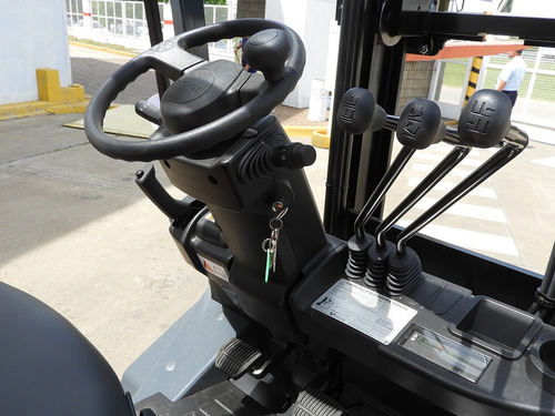 autoelevador toyota fdzn30 - 3.0 tn - diesel - 0hs. fsv4300
