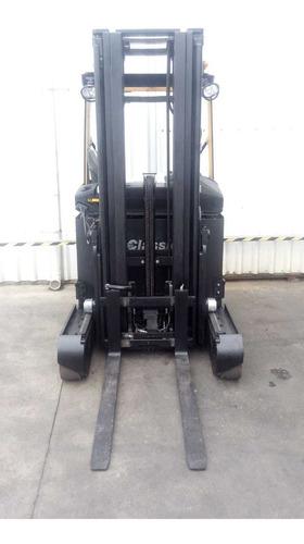 autoelevador,montacarga retráctil eléctrico cat 1600kg