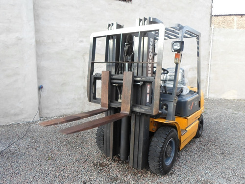 autolevador liugong 2.5 diesel torre triple impecable