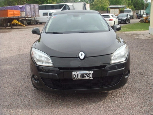 automovil megane iii  2.0, año 2012 $ 150.000 + cuotas