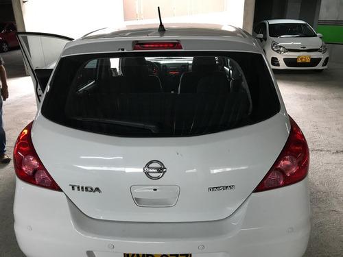 automóvil nissan tiida usado - excelente estado