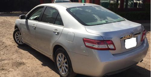 automovil toyota camry xle año 2011.