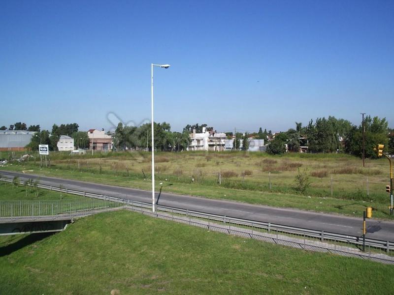 autopista del oeste  km  24 km - ituzaingó -