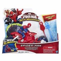 Hasbro B1467- Spiderman Con Aracnomoto