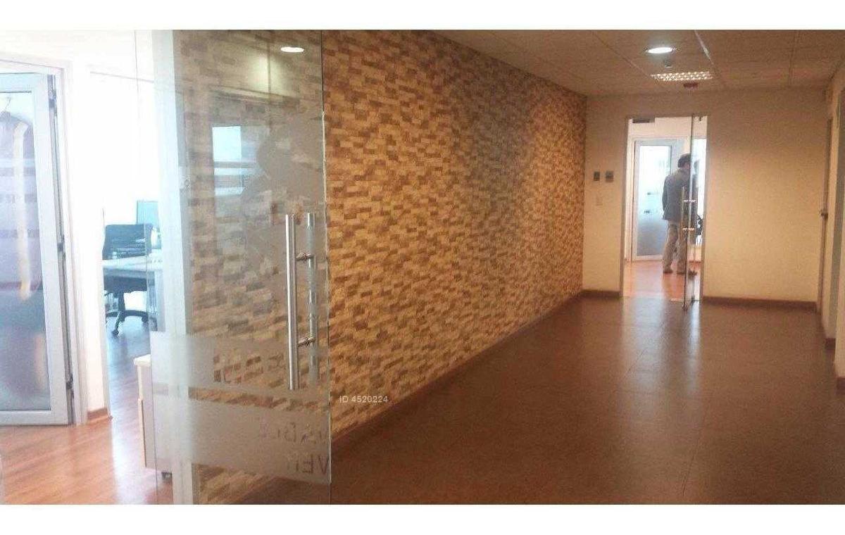 av. apoquindo - metro escuela militar.