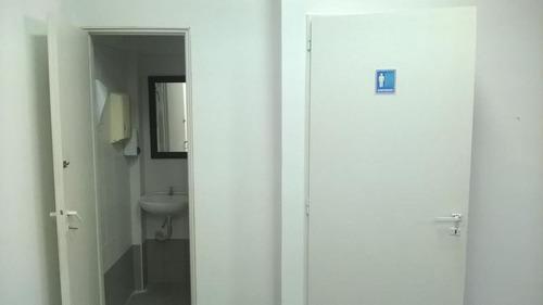 av. del libertador 3829, excelente local con oficinas de 850mts