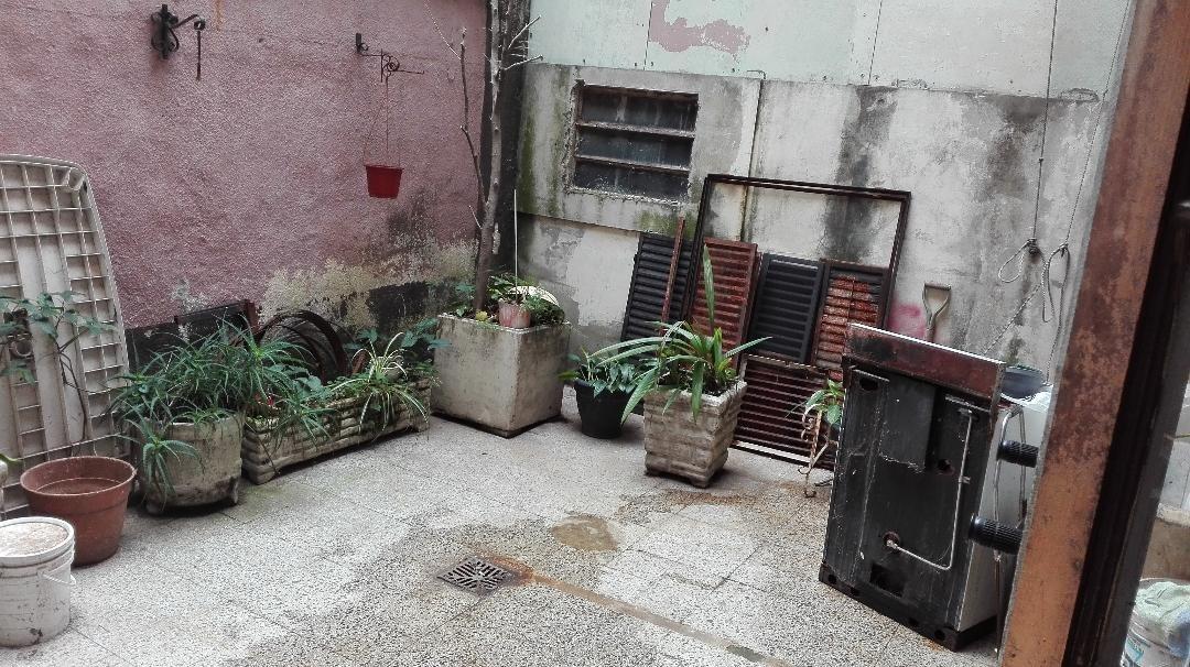 av. diaz velez 3900. ph 3 amb con patio. venta almagro