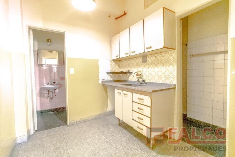 av. directorio 2900 - local   oficinas   vivienda   deposito   cochera