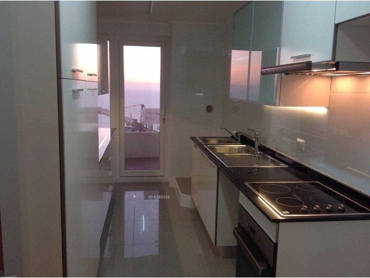 av. edmundo eluchans, edificio de lujo, cocina cerrada espectacular vista despejada, primera linea.