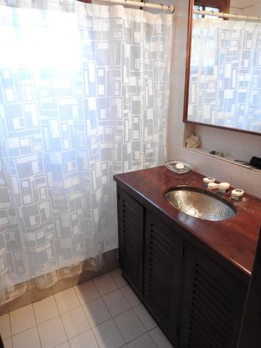 av eolo 1121 - chalet venta pinamar 5 habitaciones.